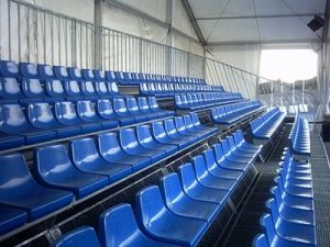 Montaje de gradas con asiento de respaldo - Moysesur